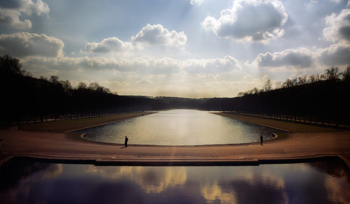 Start the adventure, lose yourself in the Versailles's gardens